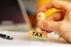 shutterstock_87654373_taxes_468