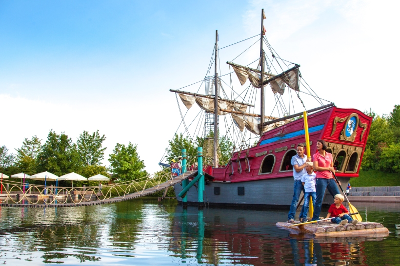 04%20FunPark_Piratenschiff